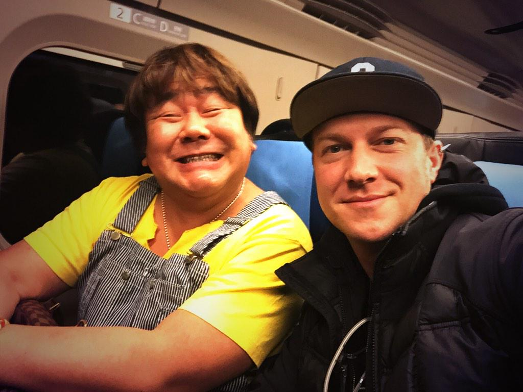 Just arrived to Tokyo!!  新幹線で石塚さんにばったり会いました A Gentleman. http://t.co/T1RUJV3KZu