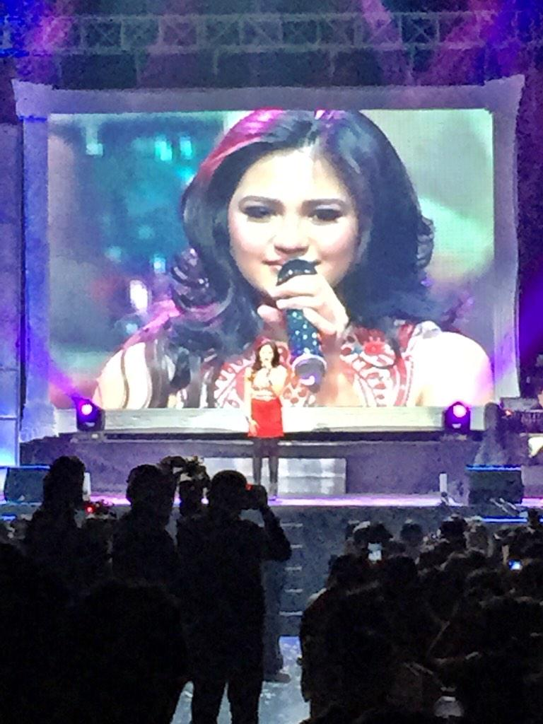 There's so much joy in my heart to see how you, my baby girl, has grown. I'm so proud of you @MyJaps #121314Hologram http://t.co/ETSF0h6Zle