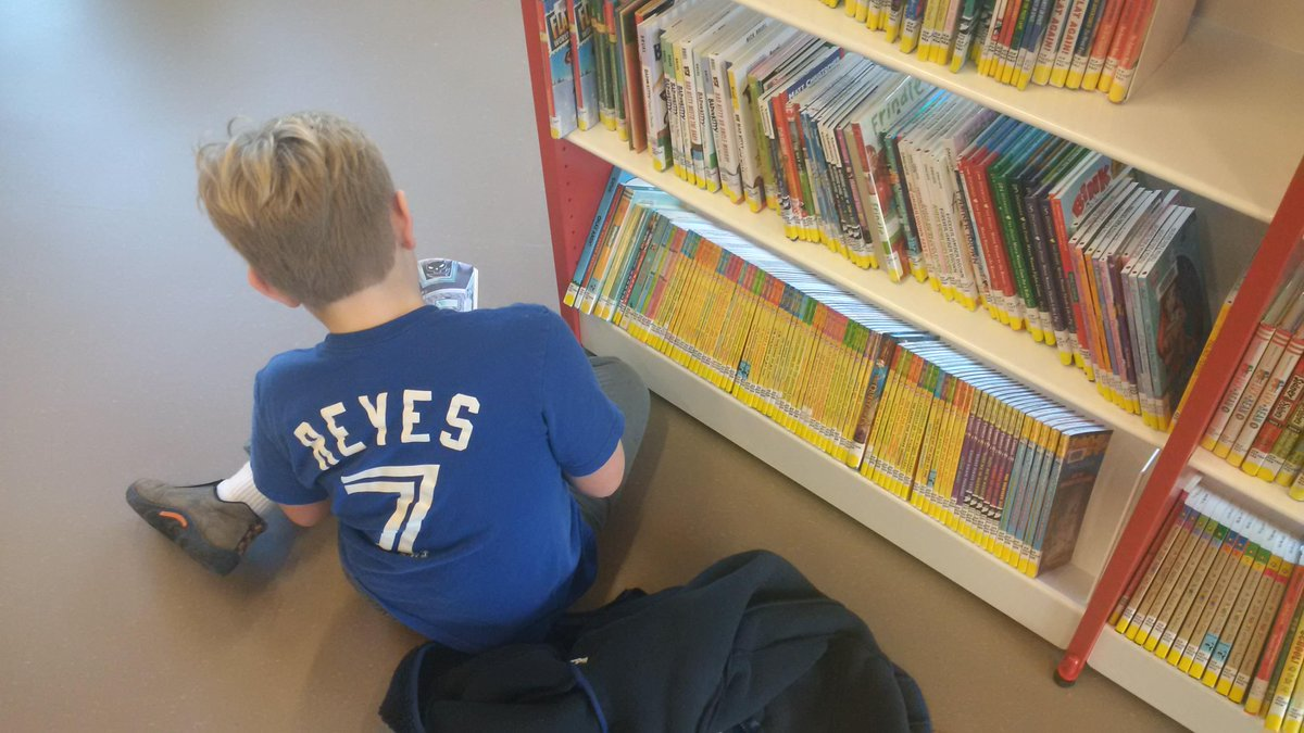 @hfxpublib #sharethewow we have a lot of reading to do http://t.co/aGEfamETrT