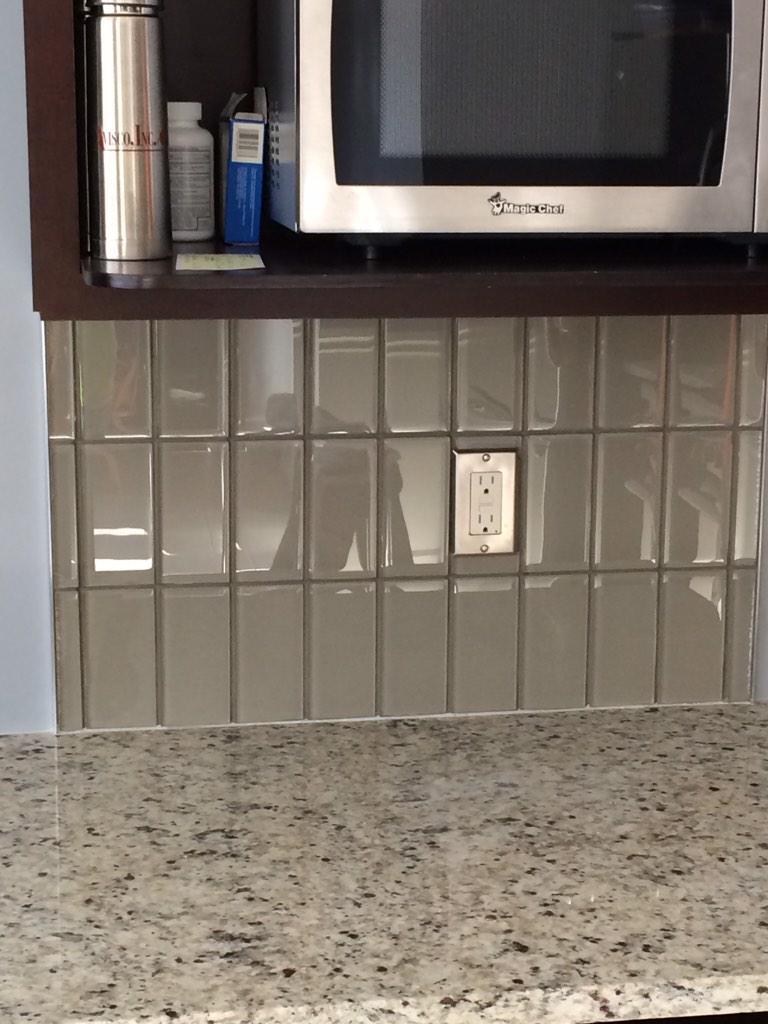 stan swaggerty tile on twitter 3x6 glass tile backsplash laid vertical thanks daltile httptcofqn1lhqn3j - Vertical Tile Backsplash