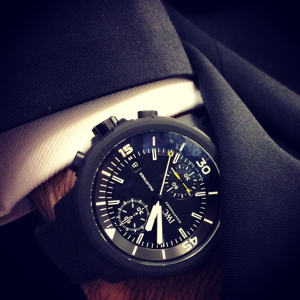 #ManInBlack - Black Suit & Black rubber coated @IWC #Aquatimer Watch http://t.co/yjzAUafV0f