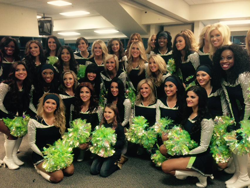 It's go time for @theseagals! Hair by #GJArtists Blair & Arlene. #genejuarez #gohawks #STLvsSEA #instaglam http://t.co/1E2cTiLibb
