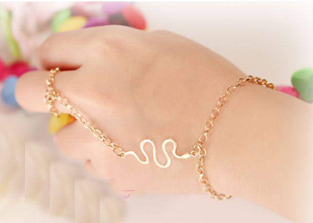 Fantastic chain ring bracelets <br>http://pic.twitter.com/B5fKpCGSNd  http:// stores.ebay.co.uk/Ruby-redsky  &nbsp;   #gift #gadget #Jewellery #beauty #tools