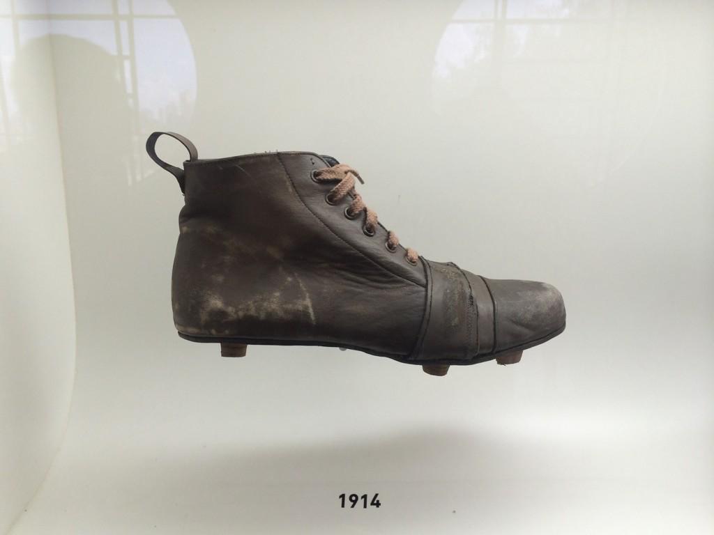 644e9885a4 miltonneves merece estar no qfl rs rt oledobrasil chuteira do paulo baier  no museu do futebol