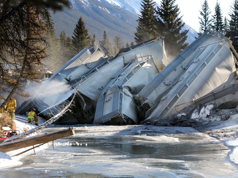 train derailment Alberta