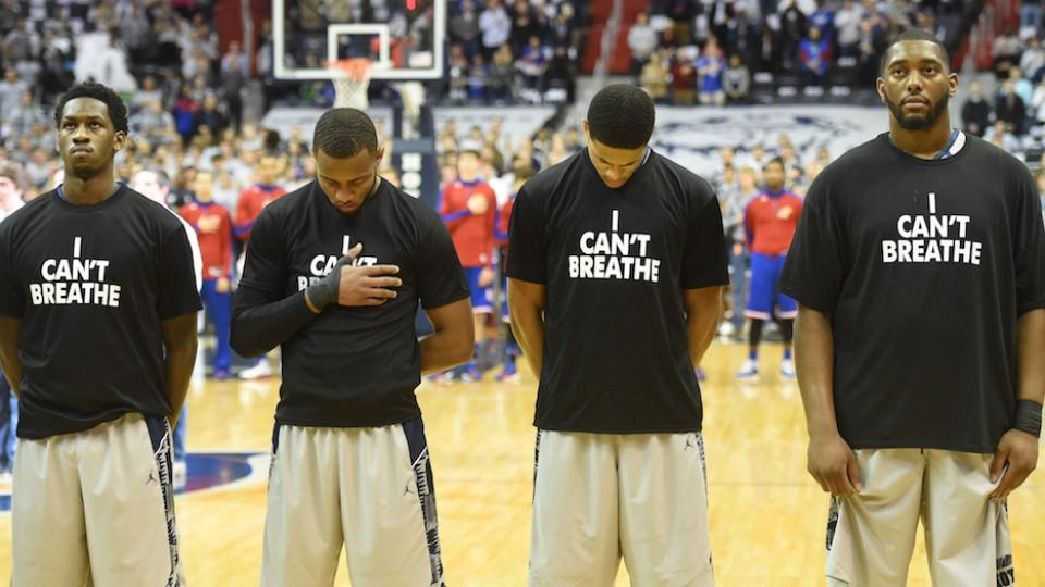 'I Can't Breathe' shirts got California high school teams uninvited from a tournament http://t.co/SolMuJN3IC http://t.co/LOJUn8QFW5