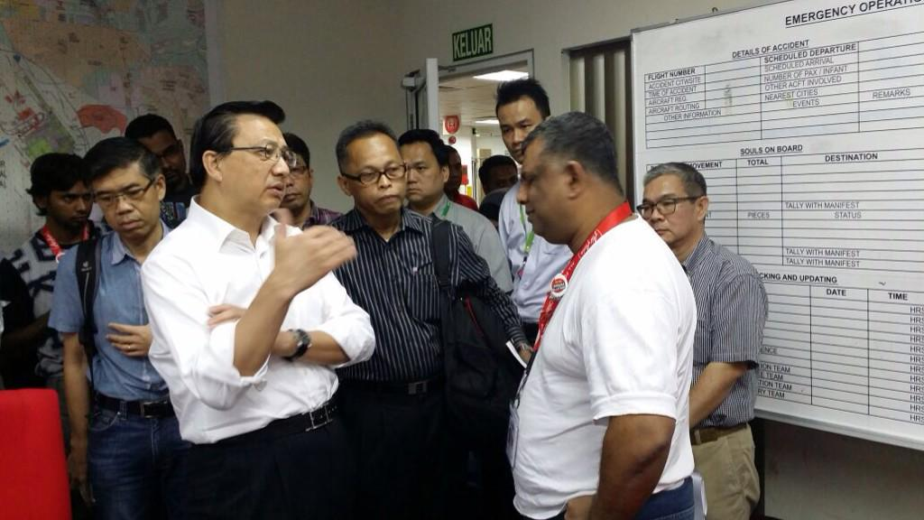 Currently at @airasia HQ to support our team in this moment of crisis. Let us lend our support to them #PrayForQZ8501 http://t.co/R4k69tbyoL
