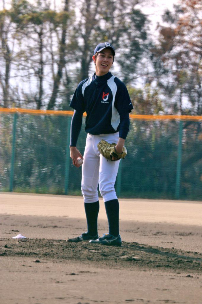 "Michiko on Twitter: ""龍谷大 石田健人マルク選手 東邦OB戦で、久しぶりに観れました。 #kokoyakyu #高校野球 http://t.co/lxBGcxrC33"""