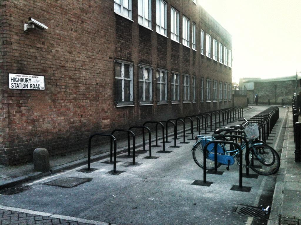 Nice find as @TfLOfficial starts work @ Highbury Corner; bike parking replaces rat run road #SpaceforCycling http://t.co/9AcJGpEhf7