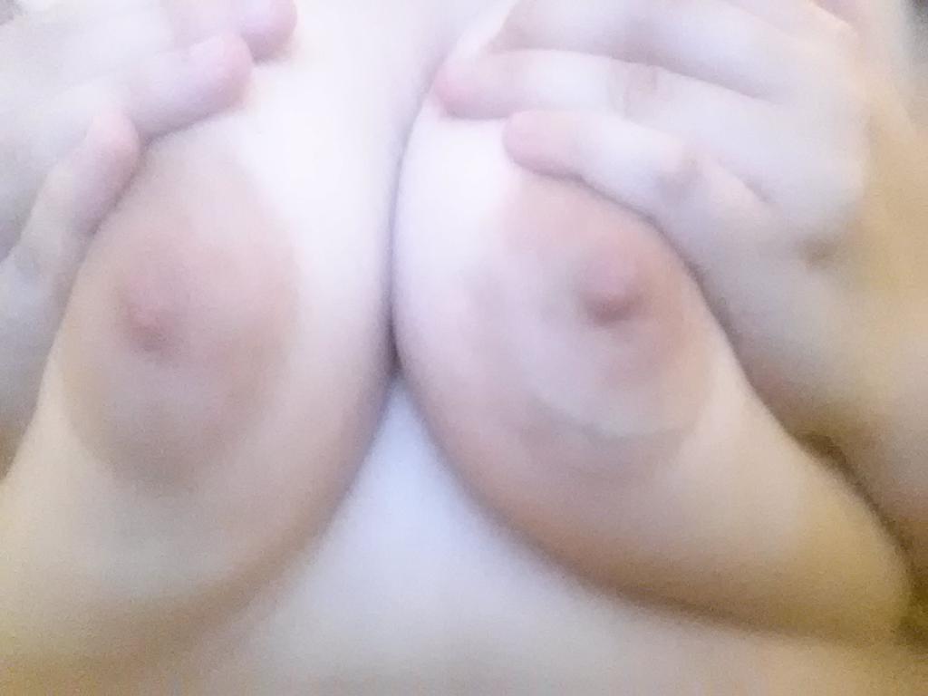 beautiful eyes and naked boobs