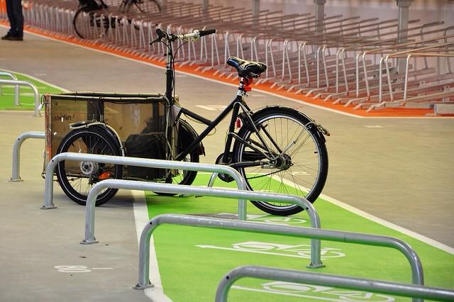 Berkeley redesigning its bike station. Malmö Sweden sets the bar   http://t.co/yH5OwTkwW0 @copenhagenize http://t.co/1dGmxlHAG8