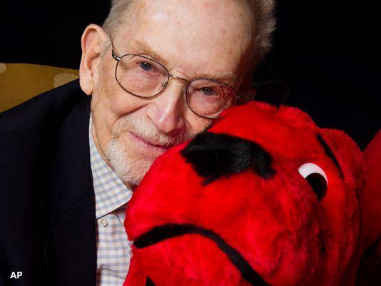 Norman Bridwell, 'Clifford the Big Red Dog' creator, has died at 86 http://t.co/24ZIqmUU37 http://t.co/EclbJHJWzW