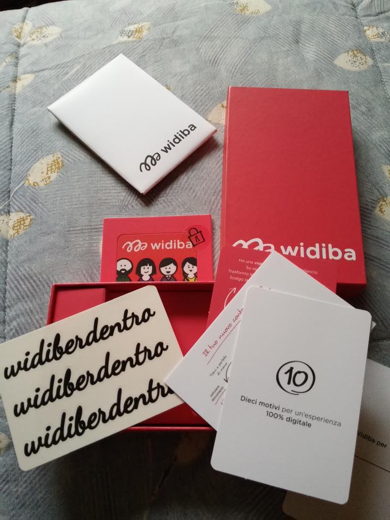 @Widiberdentro il package Widiba è appena arrivato!  Un benvenuto tutto rosa al mio bancomat 😊 http://t.co/K4kvhDV1J4