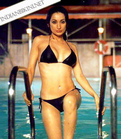 Indian Bollywood Actress Bikini Photos