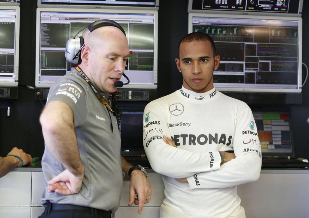 Breaking: Hamilton's performance engineer Jock Clear leaving #Mercedes going to #Ferrari. @bgarloff http://t.co/rO9uoFoDmo
