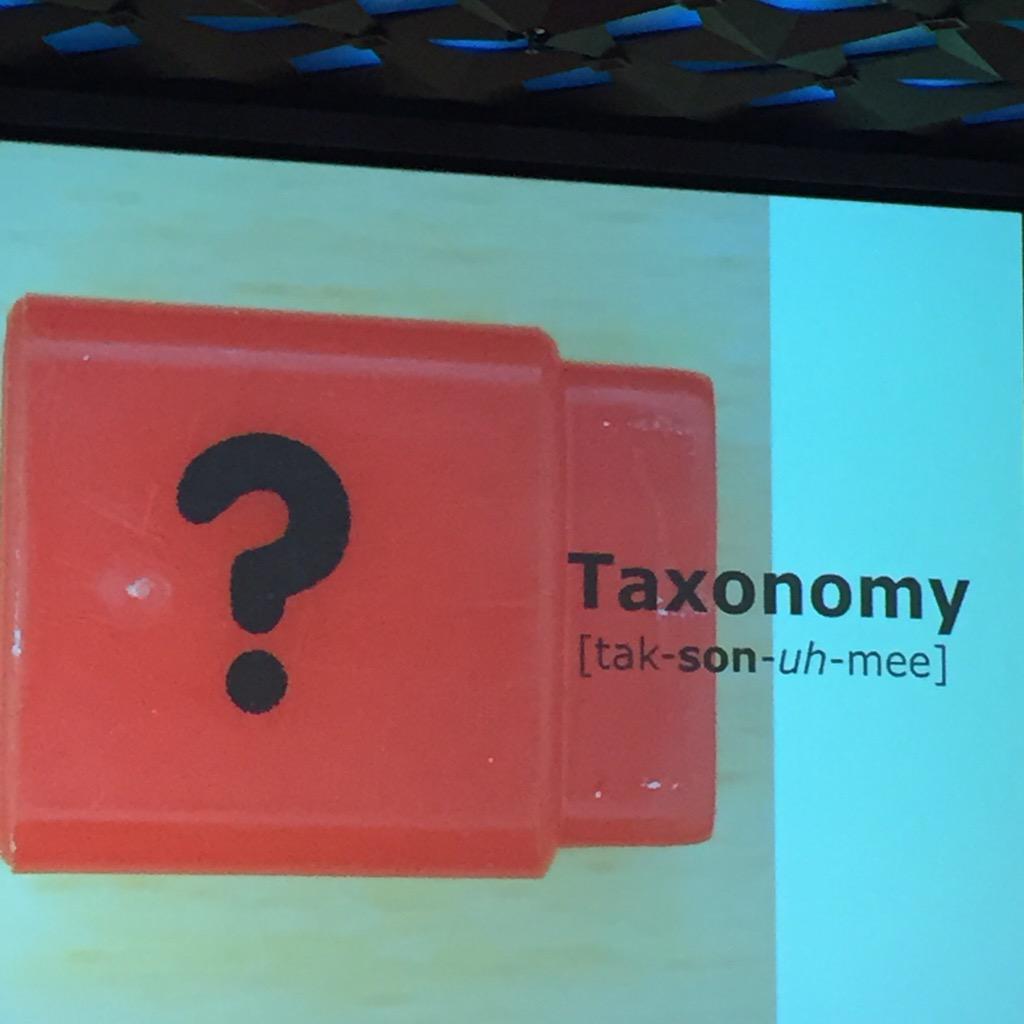 Eerste spreker vanavond bij @contentcafe is @joycevanaalten die alle ins en outs over taxonomie zal delen http://t.co/EuuFq2nqga