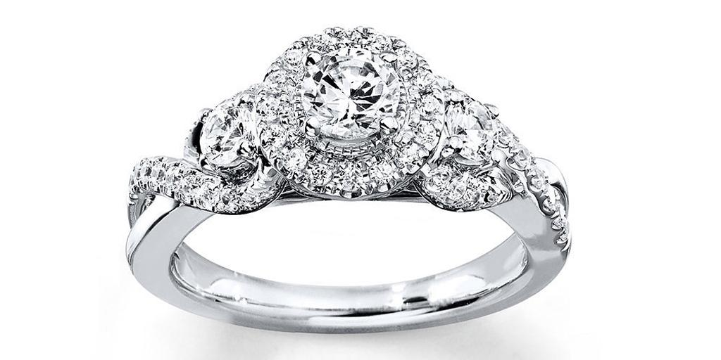 Get engaged with one of these classic, affordable sparklers: http://t.co/TRTubqCpIW http://t.co/K92nLl74BN