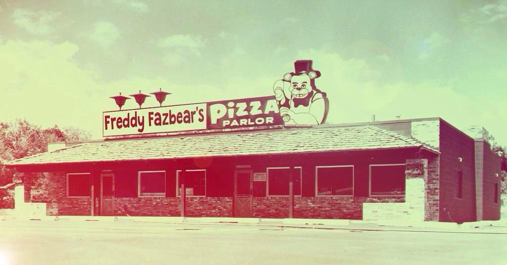 Which pizzeria is better rt for quot freddy fazbear s pizza parlor quot fav for