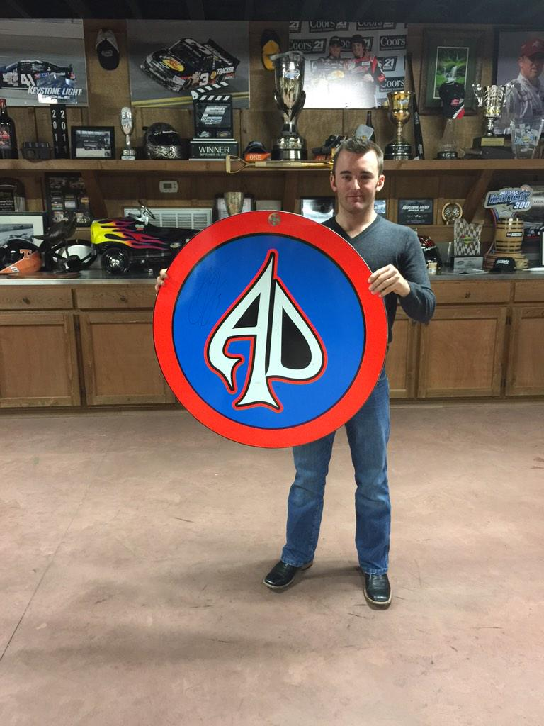 Tonight's giveaway is my pit stop sign #AD3Christmas ... Retweet to win! http://t.co/Ylw5FJzSK2
