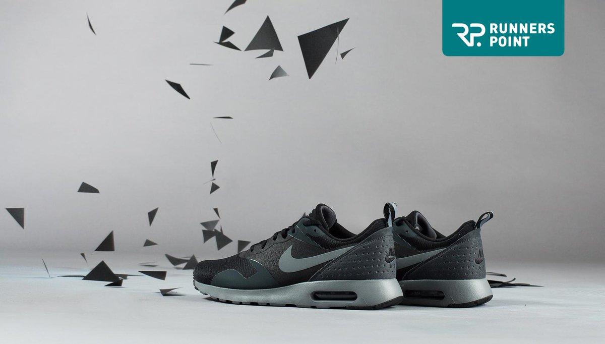 Nike AIR MAX TAVAS Herren Sneakers von Runners Point