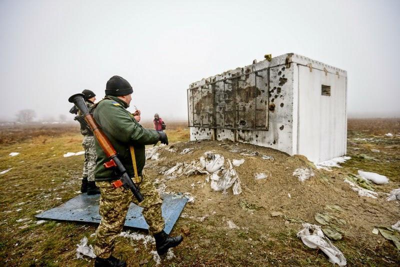 """Террористы """"ДНР"""" узаконили вымогательство, требуя по 500 грн. за пропуски - Цензор.НЕТ 6322"""