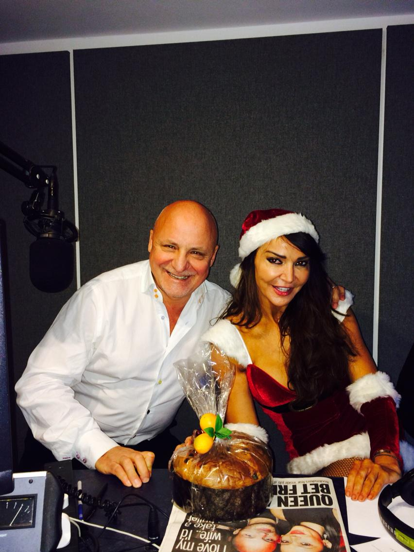 Look who is on my radio show ..@aldozilli has bought me a present his panettone @FubarRadio http://t.co/YGtf9pN5Nv