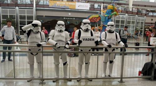 """Esperando a Vader. #Humor #Friqui vía @Yosoytuitstar http://t.co/R1D589efRh"""""""