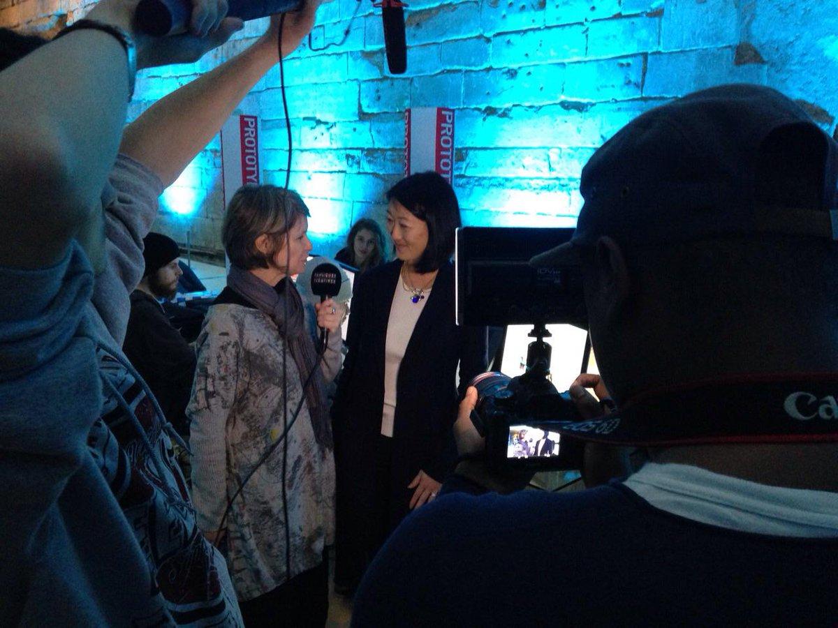 On en a profité pour l'interviewer. Bientôt en ligne sur BC. @fleurpellerin @MinistereCC #tousaloeuvre (2/2) http://t.co/8Y7TPShf8F