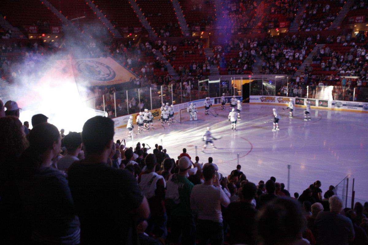 BREAKING: @OKCBarons hockey to cease operations after 2014-15 season: http://t.co/gCDsi5tfiT (via @beatbaldwin) http://t.co/G1sPFPtj61