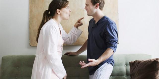 Risponde di maltrattamenti anche chi pronuncia frasi di disprezzo contro il partner