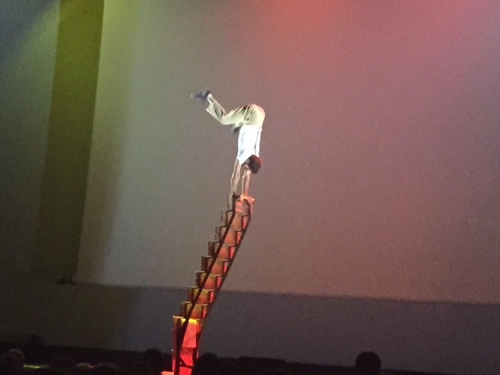 El espíritu del circo , hoy en @FPrevent #CeremoniaBecasPrevent http://t.co/I9SMaWemS9