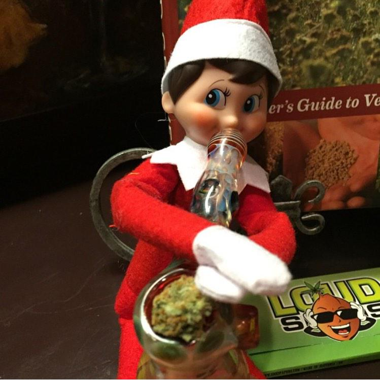 Life As A Stoner On Twitter Quot Elf On The Shelf Knows What
