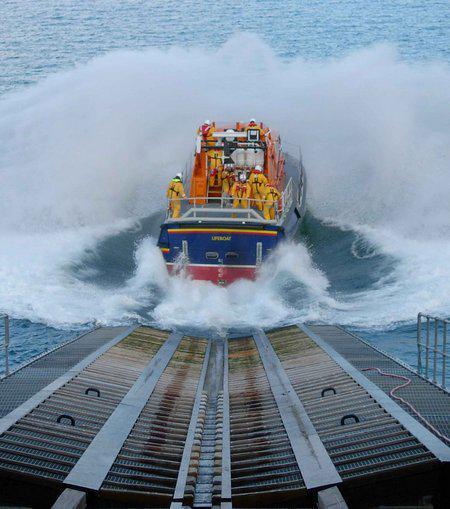サンダーバードの国の海難救助隊...
