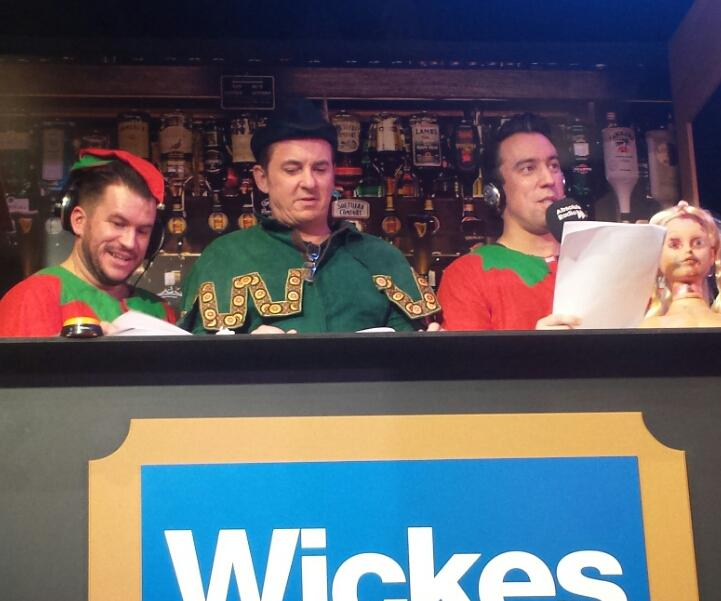 RT @NickBruzon: @oc Thanks again for #zombieclaus. Great fun. Only @RichieFirth could almost concuss an audience member though http://t.co/…