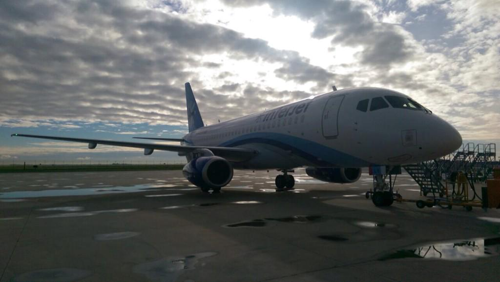 Vaya con Dios #SSJ100 No. 12.... You'll be home for Christmas..... @interjet #superjet http://t.co/JWowEDtOXs
