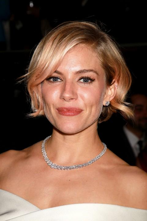 Bob hairstyles to inspire your next salon visit: http://t.co/WEMwDaUdlc http://t.co/aPy5lT0Mpk