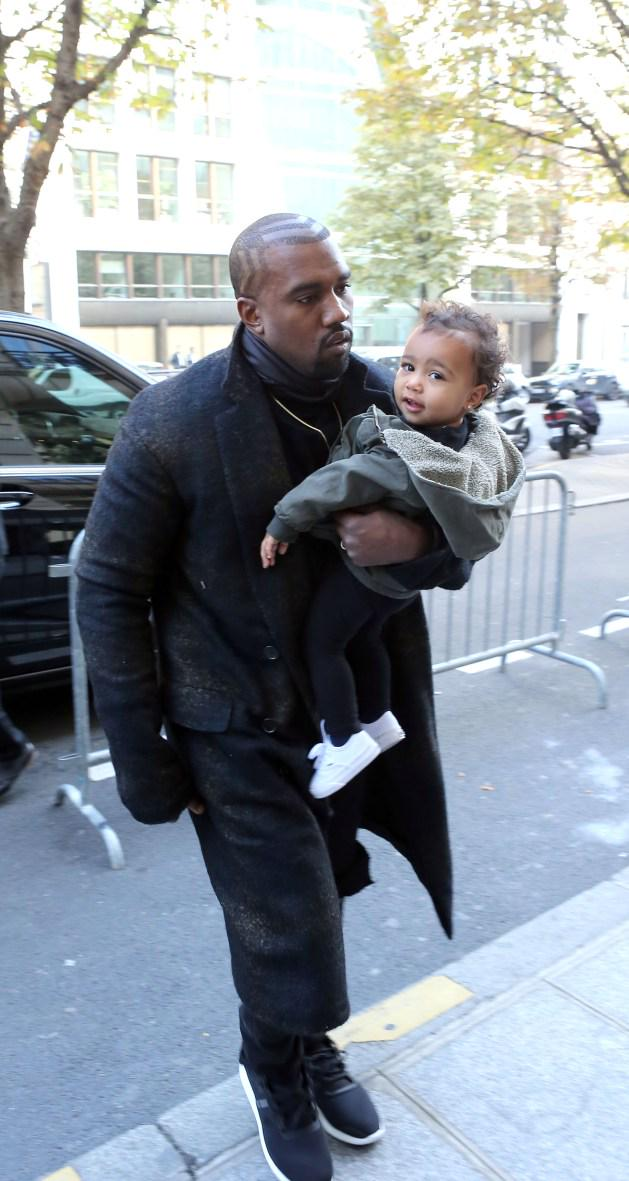RT @GlobalGrind: Kanye West drops $74K on North West's Christmas presents http://t.co/kVSH59EuZ2 http://t.co/xt6zCuNY0N