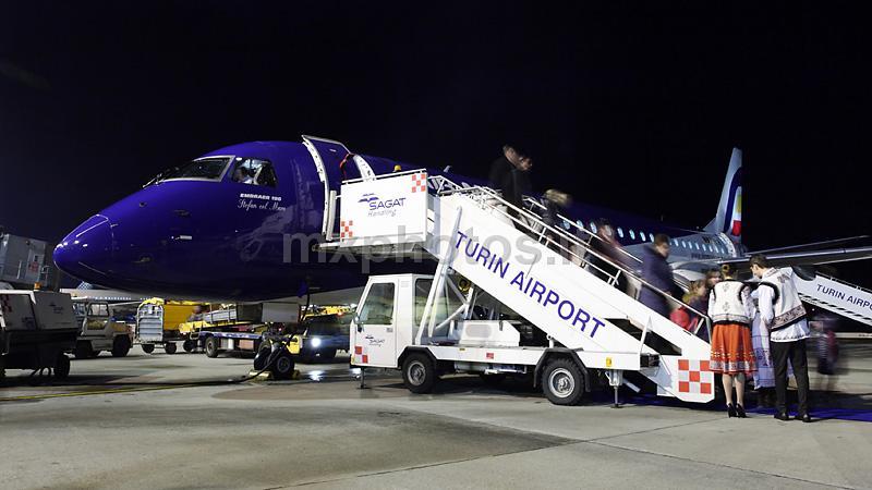 @AirMoldova_MD launches Chisinau-Turin route http://t.co/Sdj3TdCMQS http://t.co/iuXMOUL5w5 -- MXPhotos_it (@MXPhotos_it) @airlineroute