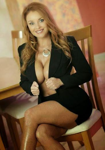 Mature Woman Dating Site 43