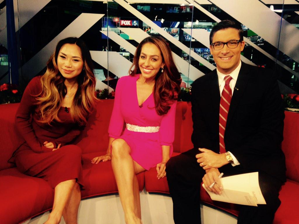 @JessicaESanchez thank you for coming to our show! You are a sweetheart @RaoulFOX5 @MorningNewsFOX5 http://t.co/sXiwIIoT7S