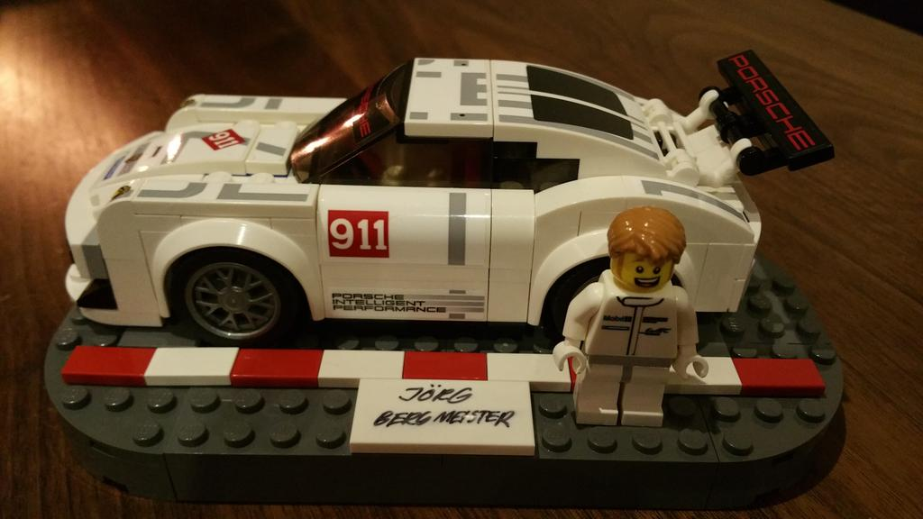 Got the coolest Xmas gift already.Thanks to @LEGO_Group and @Porsche for my 911 RSR.My daughter loves it just as much http://t.co/yyuSpjjVmp