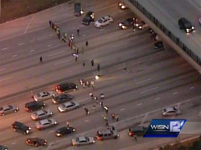 #Breaking: Group of protesters walking on I-43. #WISN12 http://t.co/xIsM7F4Gkz