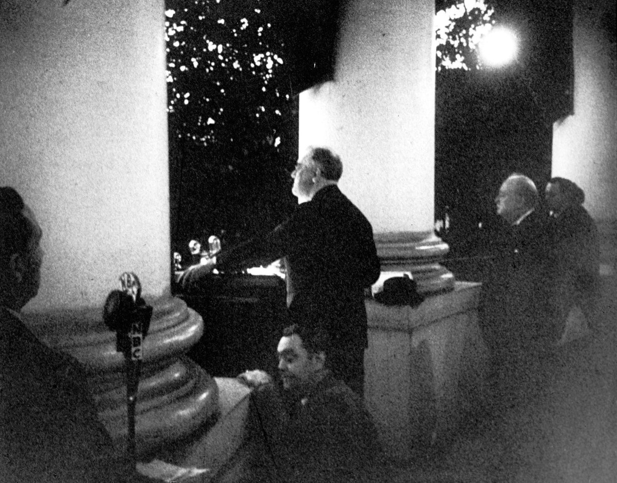 Pres. Franklin Roosevelt & Winston Churchill light White House Christmas tree after US entry into WW2, 1941: #NARA http://t.co/YQqqV3k5IF