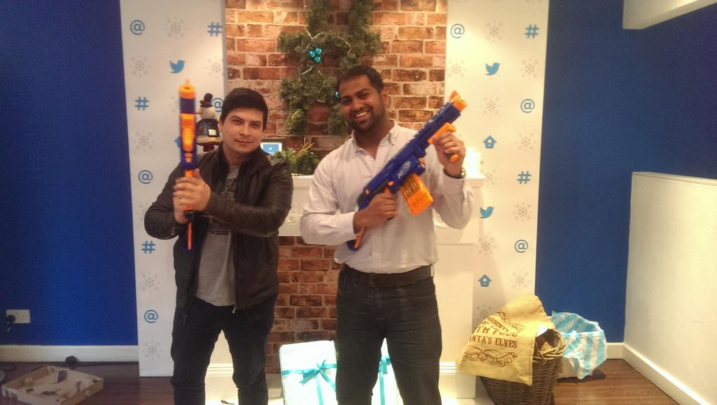 RT @Renuke: @SMG_London #nerfwars champs. Guns courtesy of @TwitterAdsUK Christmas surprise... #dontshoot @NerfNation http://t.co/OU5pwafA0P