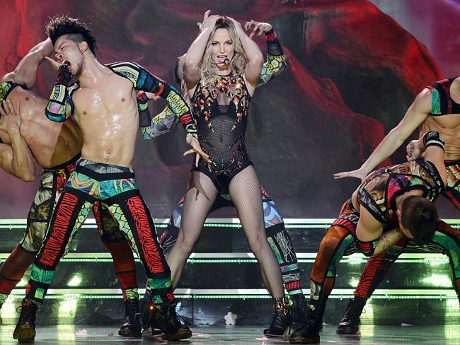 Iggy and Britney team up | http://t.co/760SSijpiL- Hot Hollywood Celebrity Gossip http://t.co/WgxFWbgDnq http://t.co/zgJ6p8Sy2k
