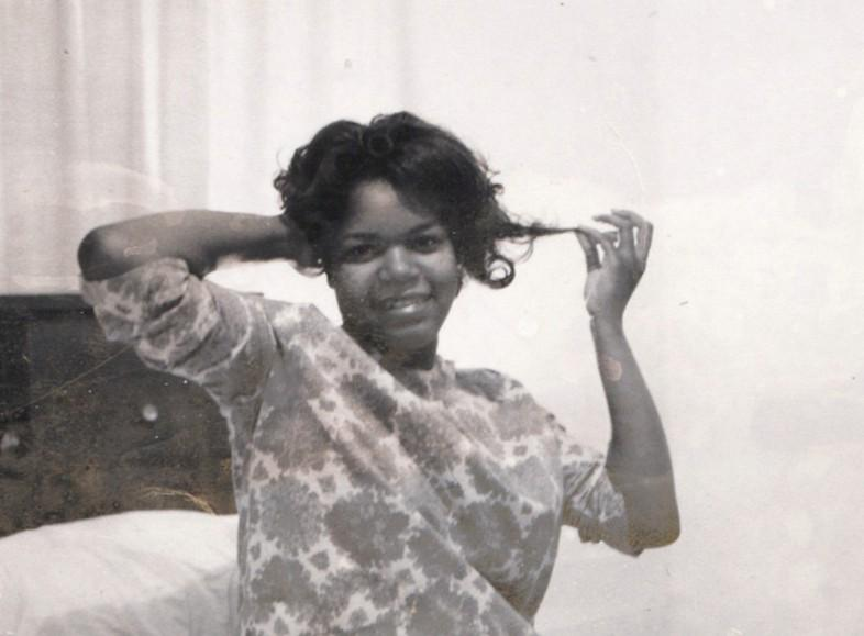 A look back at the late Stax singer Wendy Rene's life of soul: http://t.co/xUKEuiV0Jm http://t.co/fZoYe5JKIG