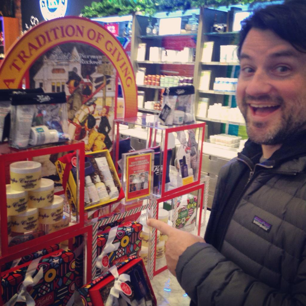 Give the gift of @KiehlsNYC! Getting our last minute shopping done. http://t.co/FLXttWW9vc