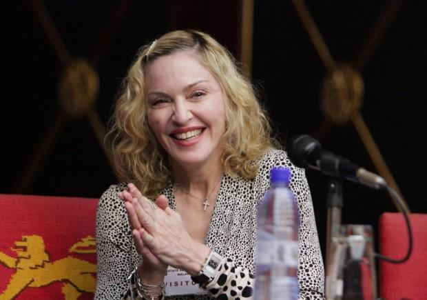 Madonna releases 6 songs after leak | http://t.co/760SSijpiL- Hot Hollywood Celebrity Gossip http://t.co/IukYkISXbt http://t.co/2aBdzSNAW8