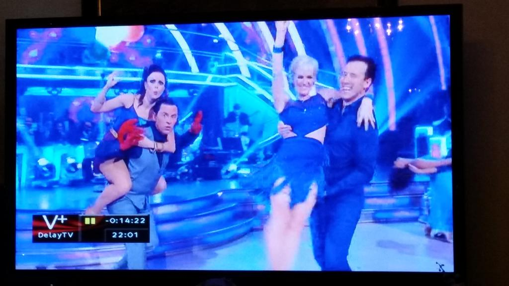 RT @MangaGirl232: Scott's face is priceless here!! XD @scott_mills #StrictlyComeDancing http://t.co/pNb84ENKho