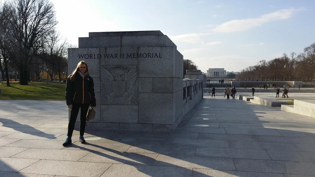 Lincoln Memorial in background.... Just beautiful xx http://t.co/mrc81t5NlD